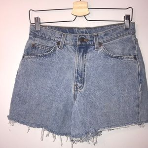 Orange Tab Levi's shorts